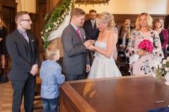 Claudia-Krawinkel-Hochzeitsfotografie-Essen-Duisburg-Standesamt-Schloss-Borbeck-10