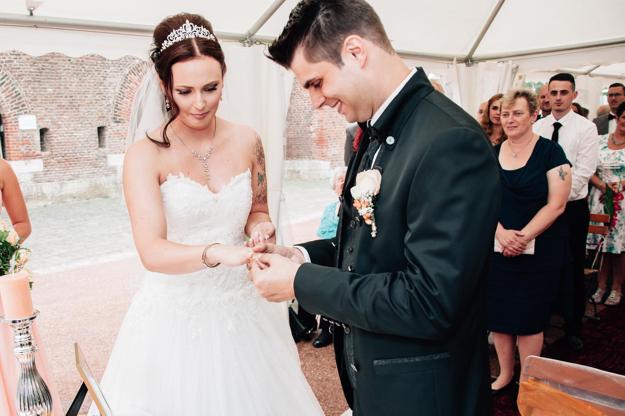 Claudia Krawinkel Fotografie Hochzeitsfotografie Hochzeit Blumenhalle im Brückenkopfpark Jülich Essen Düsseldorf Bochum Dortmund Mönchengladbach NRW Ruhrgebiet 52