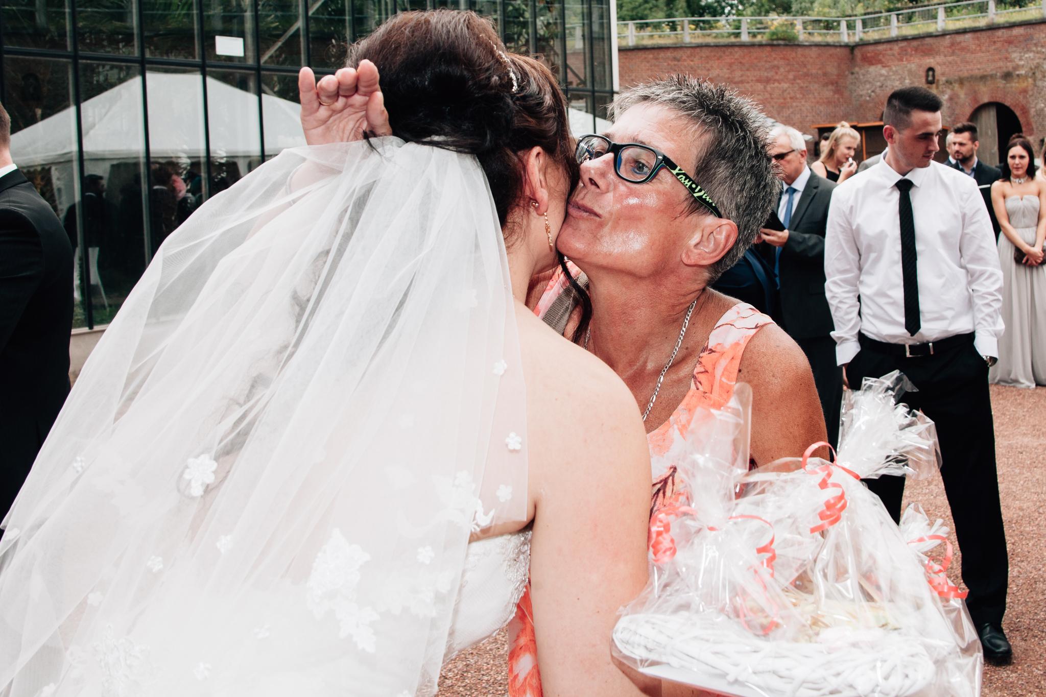 Claudia Krawinkel Fotografie Hochzeitsfotografie Hochzeit Blumenhalle im Brückenkopfpark Jülich Essen Düsseldorf Bochum Dortmund Mönchengladbach NRW Ruhrgebiet 58